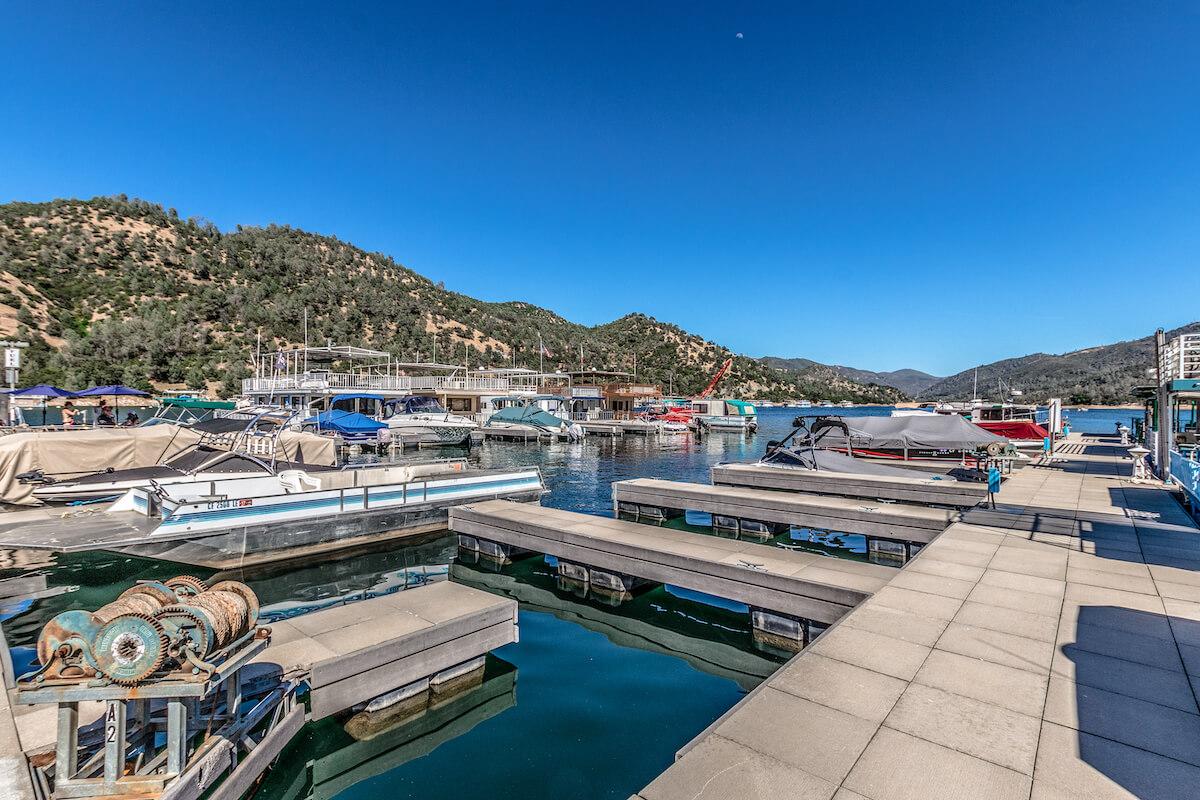 docks 4
